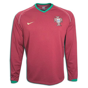 Nike Portugal Long Sleeve Soccer Jersey (Home 2007)