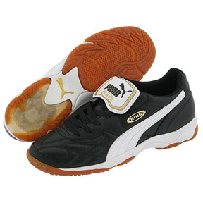 Puma King IT Indoor Soccer Shoes (Black/White)