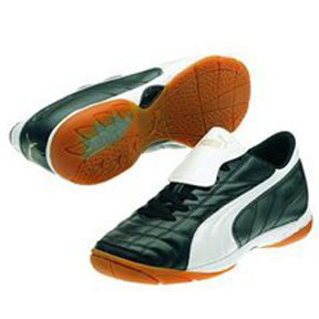 Puma Vencida IT Indoor Soccer Shoes (Black/White)