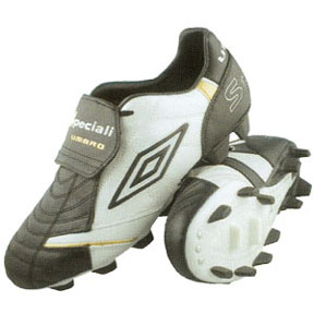 Umbro Speciali Premier KTK FG Soccer Shoes (Black/White)