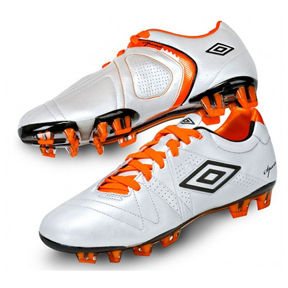 Umbro  Speciali 3 Pro HG Soccer Shoes (White)